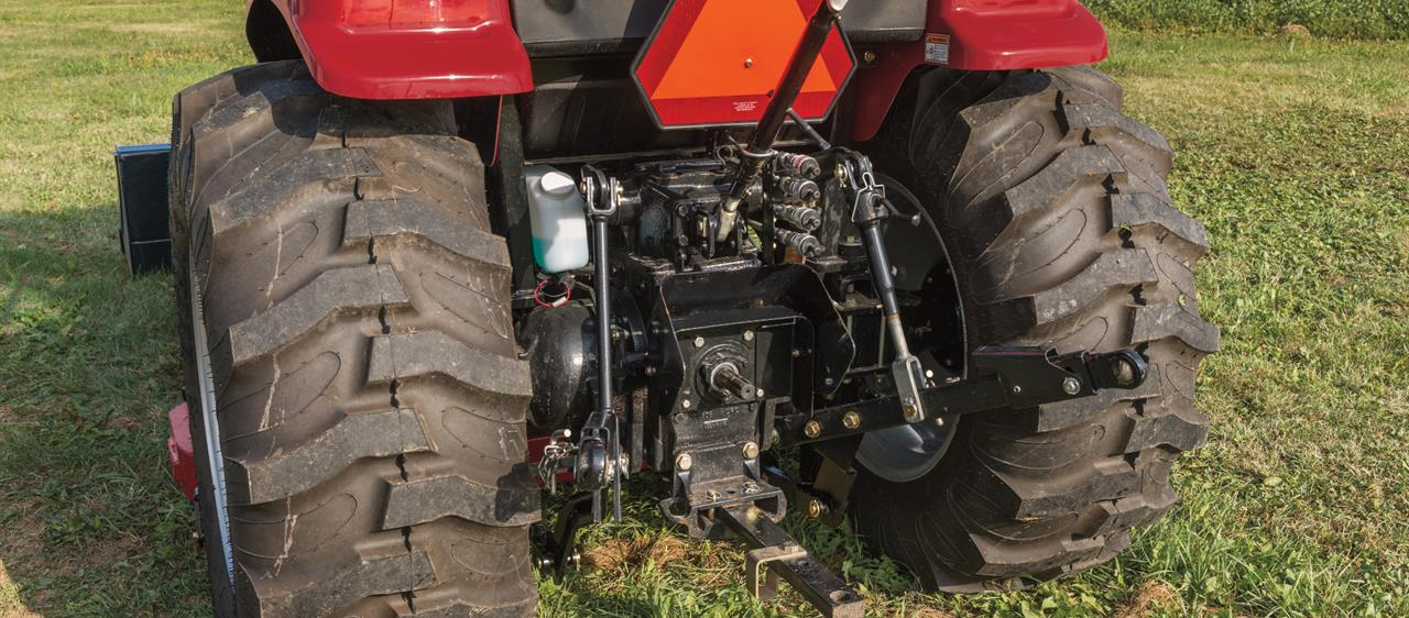 Compact-Farmall-C-CVT_Hydraulics-Hitches