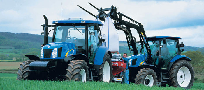 t6000-delta-flexible-t6000-tractors-satisfy-the-demands-of-many-operations-01